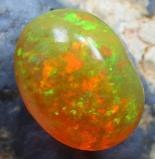 3.70 CTS ETHIOPIAN WELO 100 % NATURAL OPAL FIREY COLORPLAY C297