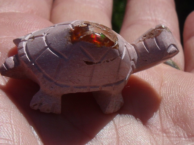 FIRE OPAL BEAUTIFUL TURTLE STONE CARVING