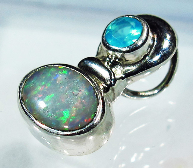5.93 CTS SOLID OPAL PENDANT SILVER + CHALCEDONY  [SOJ2733]