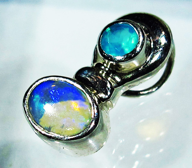 5.26 CTS SOLID OPAL PENDANT SILVER + CHALCEDONY  [SOJ2737]
