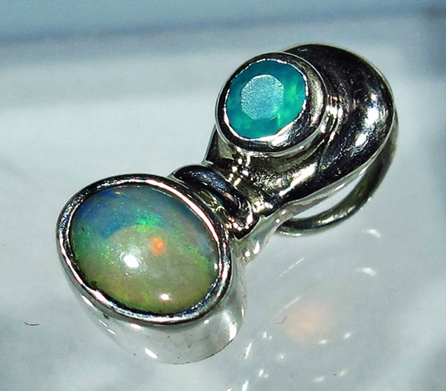 5.21 CTS SOLID OPAL PENDANT SILVER + CHALCEDONY  [SOJ2739]