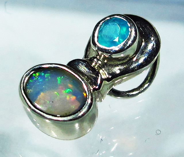 5.17 CTS SOLID OPAL PENDANT SILVER + CHALCEDONY  [SOJ2741]