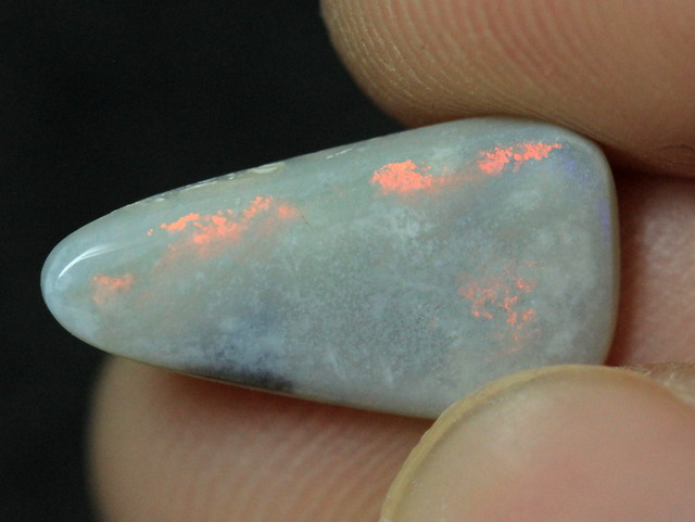 LIGHTNING RIDGE SOLID OPAL STONE 1.9ct