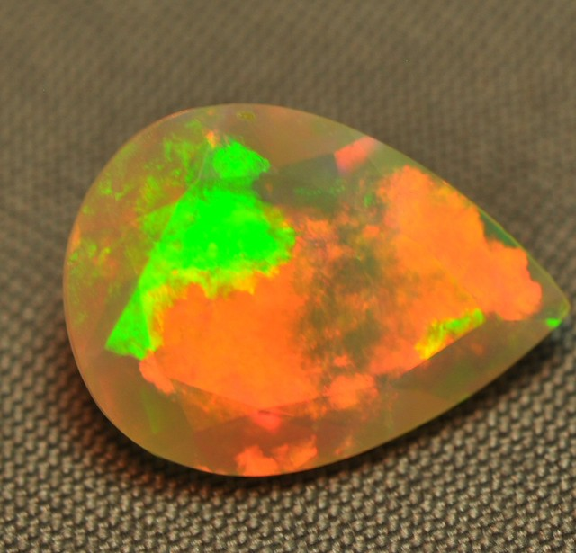 FACETED WELO EXTREMELY BRIGHT OPAL 1.45CTS.