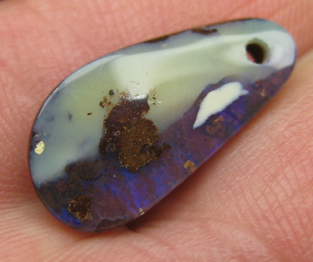 COLOURMINE OPALS>6.60.cts DRILLED LOVELY BOULDER OPAL