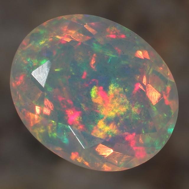 4.38ct. Faceted. Beautful Rainbow Crystal