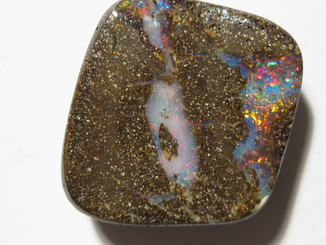 OpalWeb -Direct from the Aussie Opal Miner- 18.90Cts