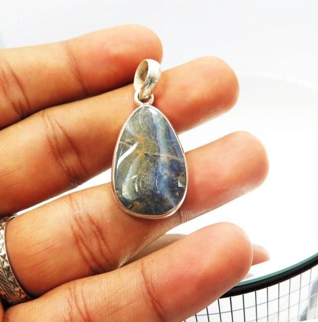 A Pretty Australian Solid Boulder Opal Unisex Pendant JM16