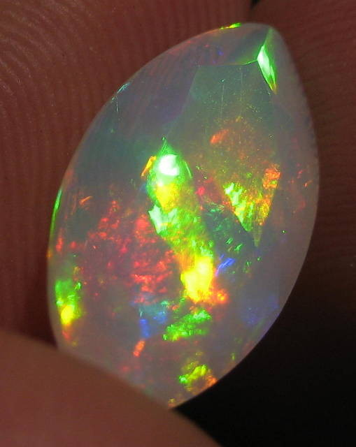 4.56ct Beautiful Faceted Ethiopian Opal Wth Rainbow 5/5 Fire