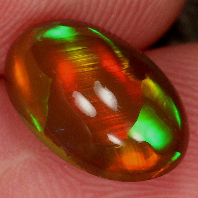 3.51ct. Stunning! Super Nice Welo Opal with Rare Patterns