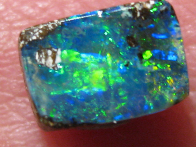 OpalWeb -Direct from the Aussie Opal Miner- 0.95Cts