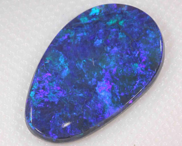 3.65 ct BLACK OPAL FROM LR -