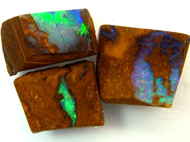 BOULDER ROUGH OPAL 22.65  CTS  DT-1569