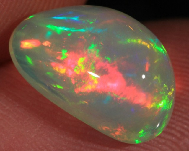 4.45CT EXTREMELY BRIGHT WELO OPAL FULL SATURATION 5/5 FIRE!!