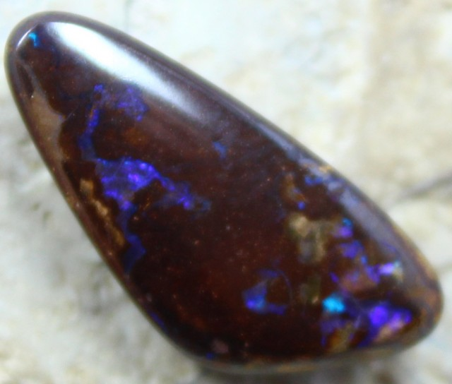 16.50 CT YOWAH OPAL GORGEOUS PATTERNS & COLORS IN THIS STONE C1987