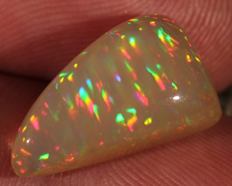 6.91CT COLLECTORS WELO OPAL WITH EXTREME PRISM FIRE 5/5!