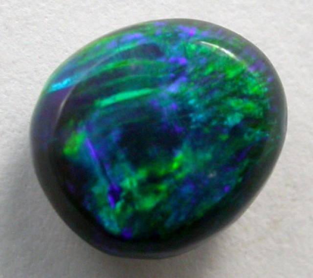 .80 CTS BLACK OPAL   NI BRIGHT GREEN OPAL    QOM 1127