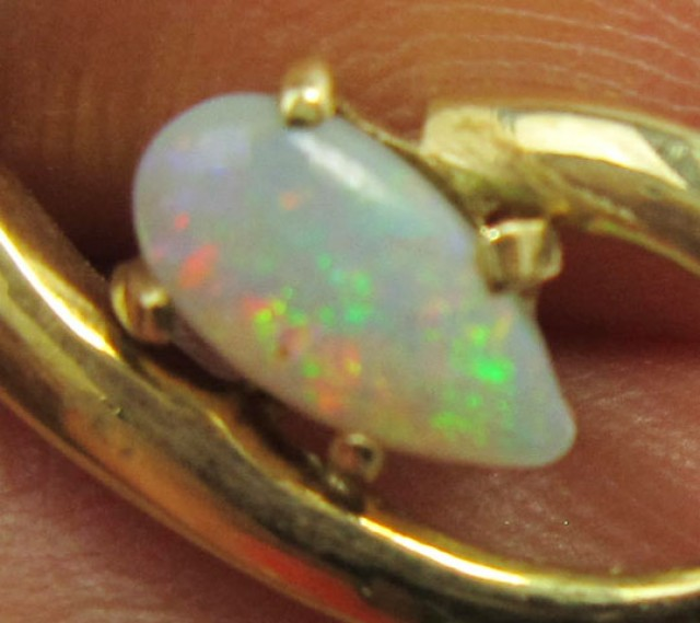 GOLD PLATED SILVER OPAL PENDNAT   OPAL   PL 708