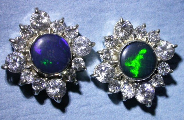SPARKLING DOUBLET EARRING WITH C`Cs [SOJ3041]