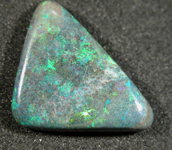OPALS *8.40Ct  **Brilliant Green Matrix Opal**