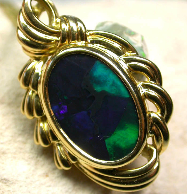 HANDCRAFTED GOLD 18 K OPAL JEWELLERY  PENDANT [ JD 15 ] BY SEDA OPALS