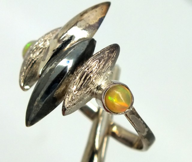 ETHIOPIAN OPAL SILVER RING   22.85 CTS OF-289