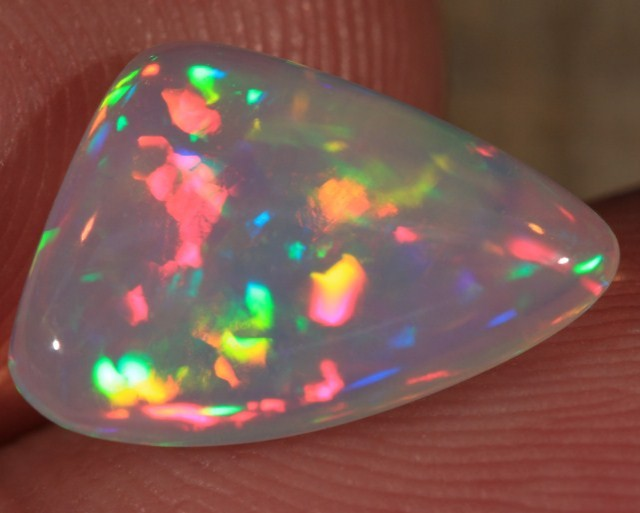 2.50CT EXTREMELY BRIGHT WELO OPAL 5/5 CHAFF PATTERN!!