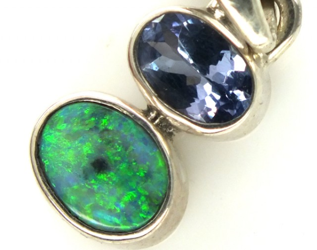 SOLID OPAL TANZANITE SILVER PENDANT 7 CTS OF-305