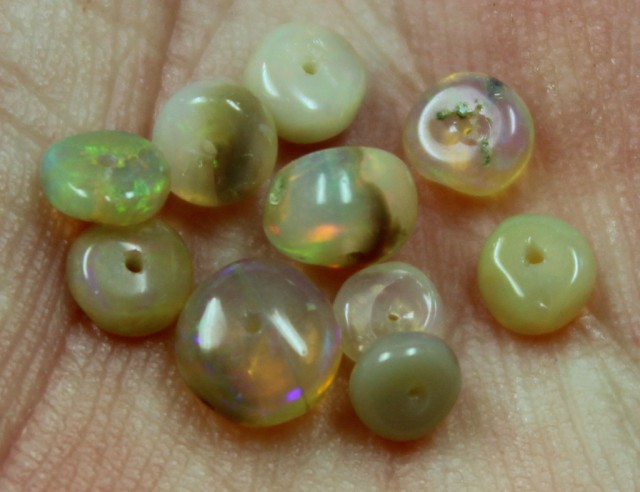 2.75 CTS 10 PIECES BEAD PARCEL OF ETHIOPIAN WELO OPALS C2712