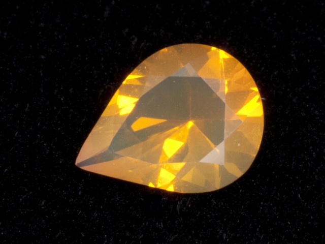 .9ct Orange Faceted Pear Mexican Jelly Opal (MO101)