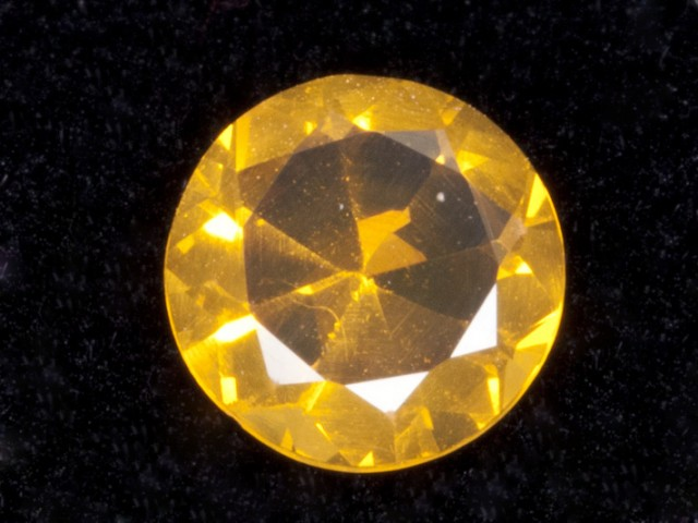 .8ct Orange Faceted Round Mexican Jelly Opal (MO105)