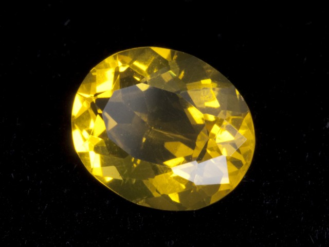 2.2ct Yellow Faceted Oval Mexican Jelly Opal (MO108)