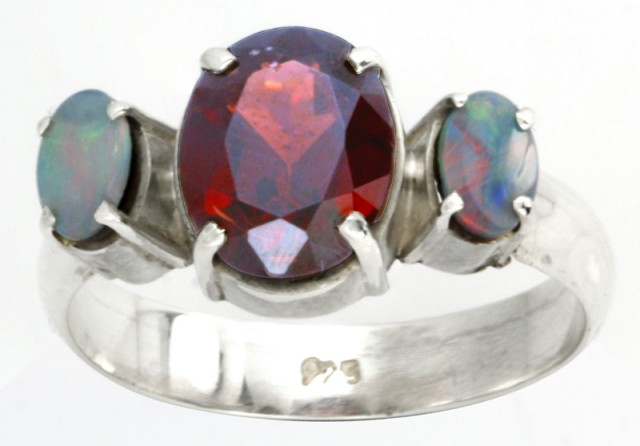 9 RING SIZE RED GARNET +DOUBLET OPAL RING [SOJ3662]