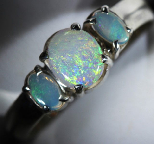 8 RING SIZE SOLID CRYSTAL OPAL -FACTORY DIRECT [SOJ3666 ]
