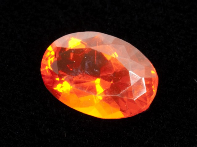 1.5ct Dark Orange Oval Mexican Fire Opal (MO152)