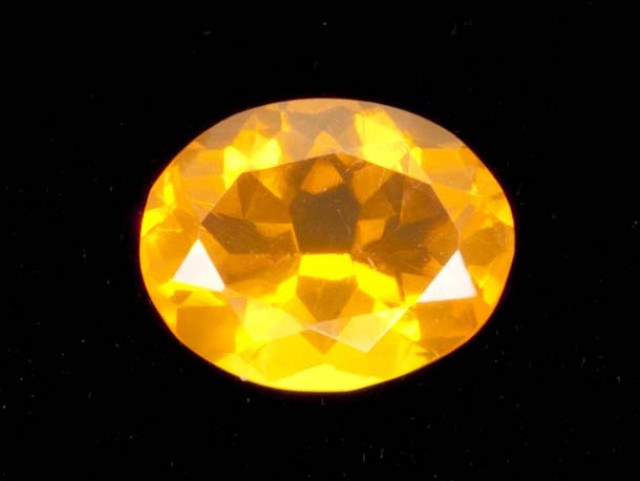 1.3ct Faceted Light-Orange Oval Mexican Fire Opal (MO171)