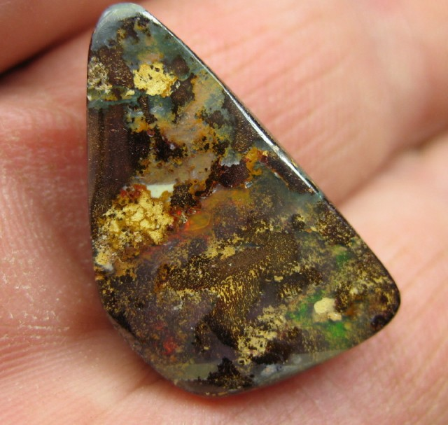 C O>18.40.cts DRILLED BRIGHT BOULDER OPAL