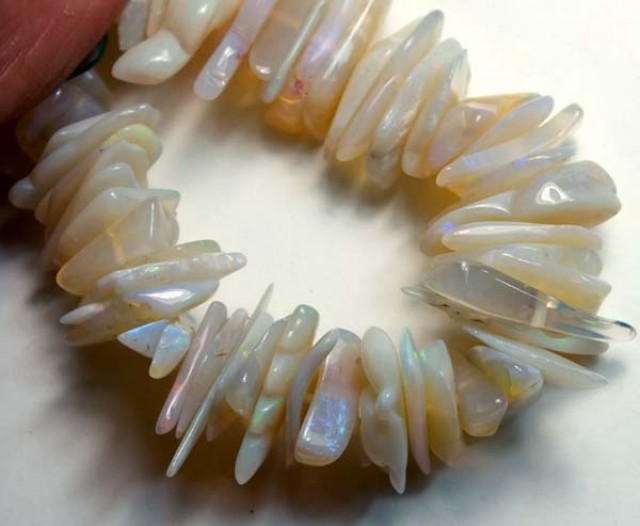 160  CTS  WHITE OPAL BEADS BRACELET  DRILLED TBO 882