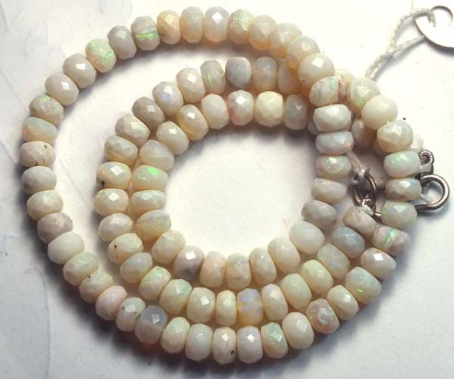 WHITE OPAL BEADS NECKLACE DRILLED  95 CTS  TBO 884