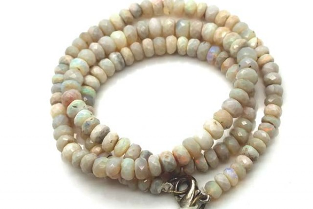 WHITE OPAL BEADS FACETED  DRILLED NECKLACE  70 CTS  TBO 908