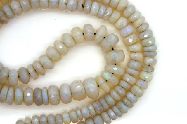 WHITE OPAL BEADS FACETED  DRILLED NECKLACE 90 CTS  TBO-936