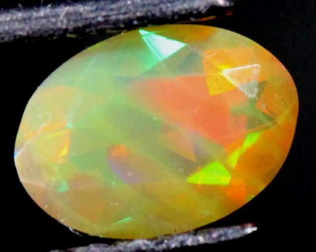 ETHIOPIANOPAL FACETED  CUT STONE 0.50 CTS  FOB-123