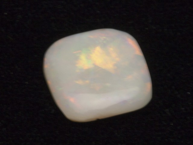 4ct White Crystal Opal (WO7)