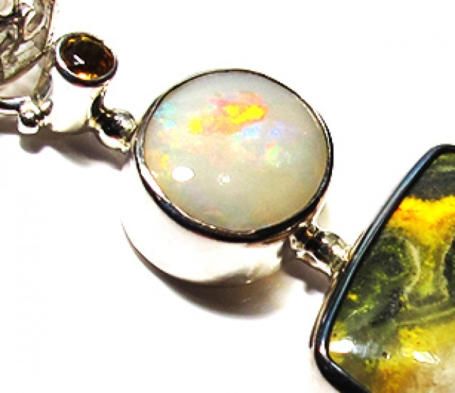 LARGE PENDANT OPAL AND BUMBLEE PENDANT [SOJ3735]