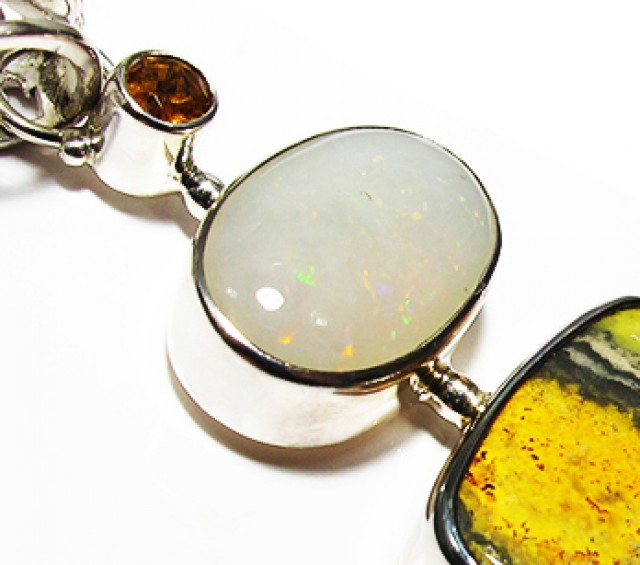 LARGE PENDANT OPAL AND BUMBLEE PENDANT [SOJ3736]