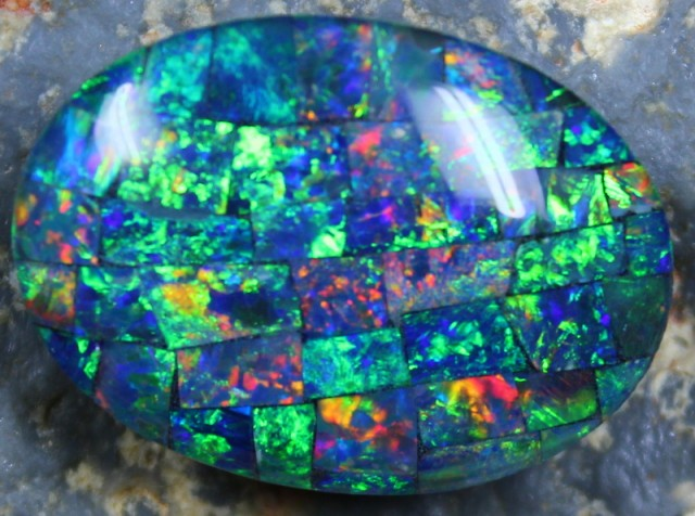 16.30 CTS  TOP QUALITY MOSAIC OPAL ELECTRIC COLOR PLAY C5328