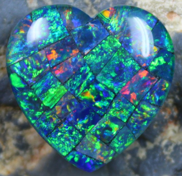 12.95 CTS  TOP QUALITY MOSAIC HEART OPAL ELECTRIC COLOR PLAY C5329