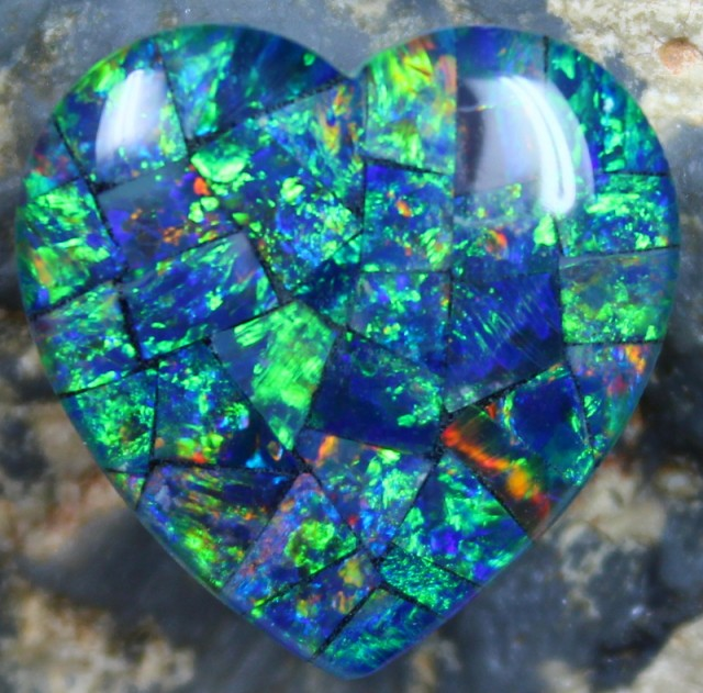 13.15 CTS  TOP QUALITY MOSAIC OPAL ELECTRIC COLOR PLAY C5330
