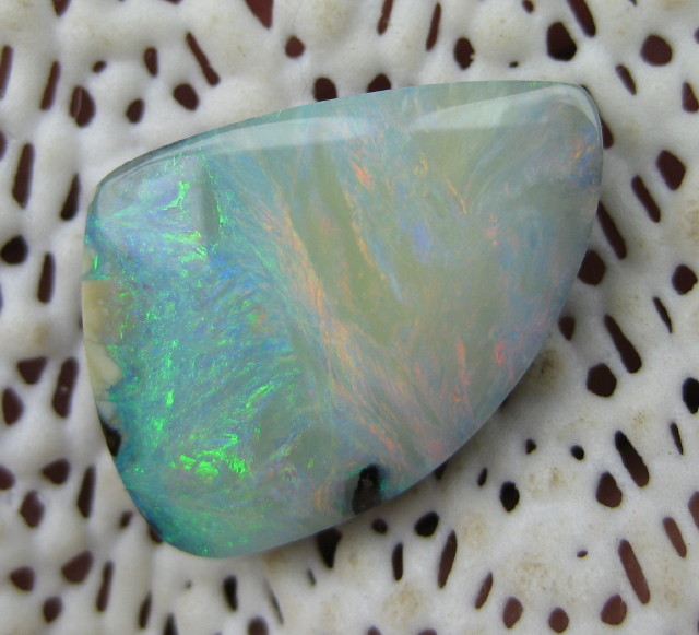 C/O>12.00.cts TOP QUALITY GLOSSY AUSSIE BOULDER OPAL