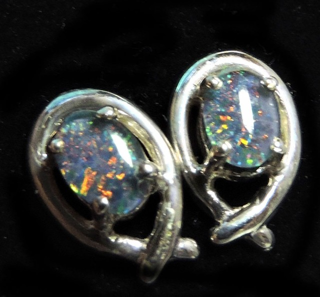 Cute  Triplet opal earrings silver Pl 1088